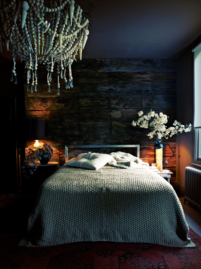 DARK DECOR vkvvisualscomblog : Dark walls and ceiling in this romantic bedroom with wooden bead chandelier via VangViet from blog.vkvvisuals.com size 660 x 882 jpeg 277kB