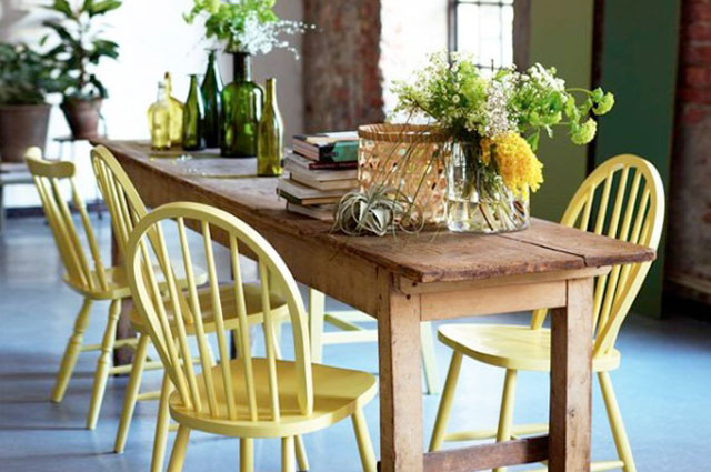 Typical American breakfast chairs in yellow - via Pure Home